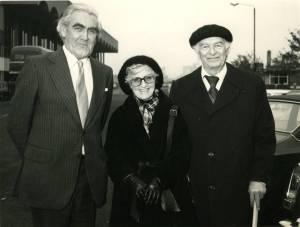 Ewan Cameron, Ava Helen Pauling and Linus Pauling, Glasgow, Scotland, 1976