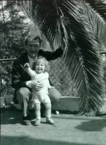 Linus and Crellin Pauling at the Huntington Gardens, San Marino, California, 1939.