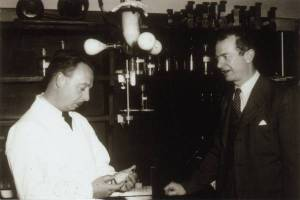 Dan Campbell and Linus Pauling in a Caltech laboratory, 1943.