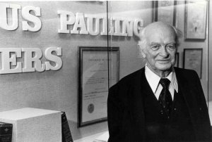 Linus Pauling in the original Special Collections reading room, 1988.