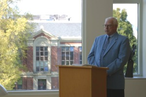 Dr. Burt Davis lecturing on Paul Emmett in the OSU Libraries Special Collections reading room.  Photo by Philip Vue.
