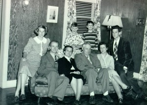 The Pauling and Jenkins families: in back, Linda Pauling, Don Jenkins, Crellin and Peter Pauling; in front, Linus and Ava Helen Pauling, Lemual and Lucile Jenkins. 1948.