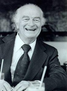 Linus Pauling, 1975.