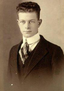 Linus Pauling, age 17.