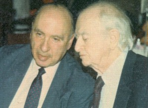 Abram Hoffer and Linus Pauling, November 1992.