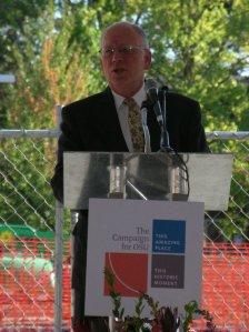 George Pernsteiner, Chancellor of the Oregon University System.