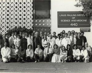 Linus Pauling Institute of Science and Medicine staff portrait, 1989.