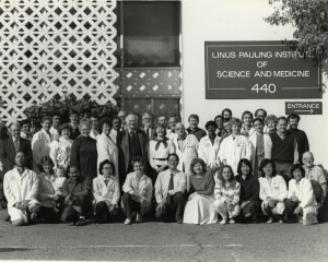 Linus Pauling Institute of Science and Medicine staff portrait, 1989.