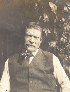Carl Pauling, 1915.