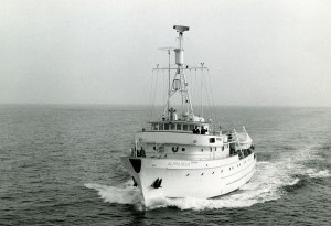 1966s.4-bw