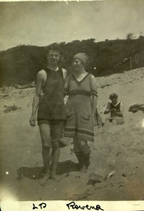 Pauling at the Oregon coast with his cousin Rowena, 1918.