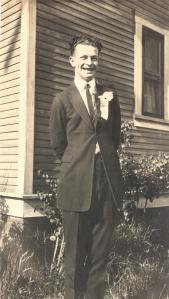 Linus Pauling on OAC graduation day, June 1922.