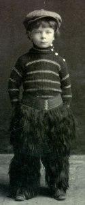 Linus Pauling, a Condon Cowboy at age 5.