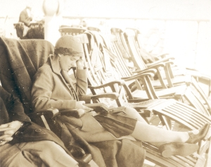Ava Helen Pauling, reading en route to Europe, 1926.
