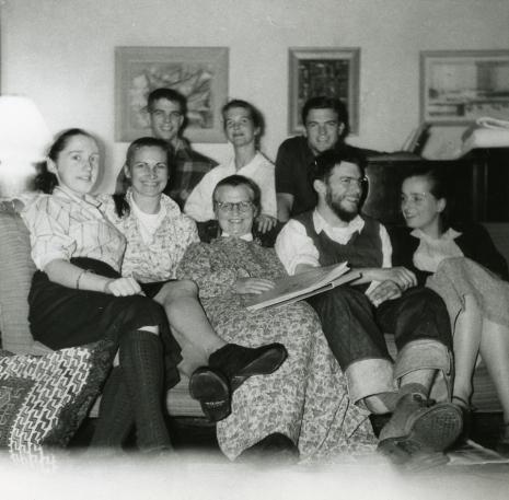 1956i.10