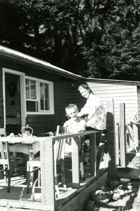 1956i-1