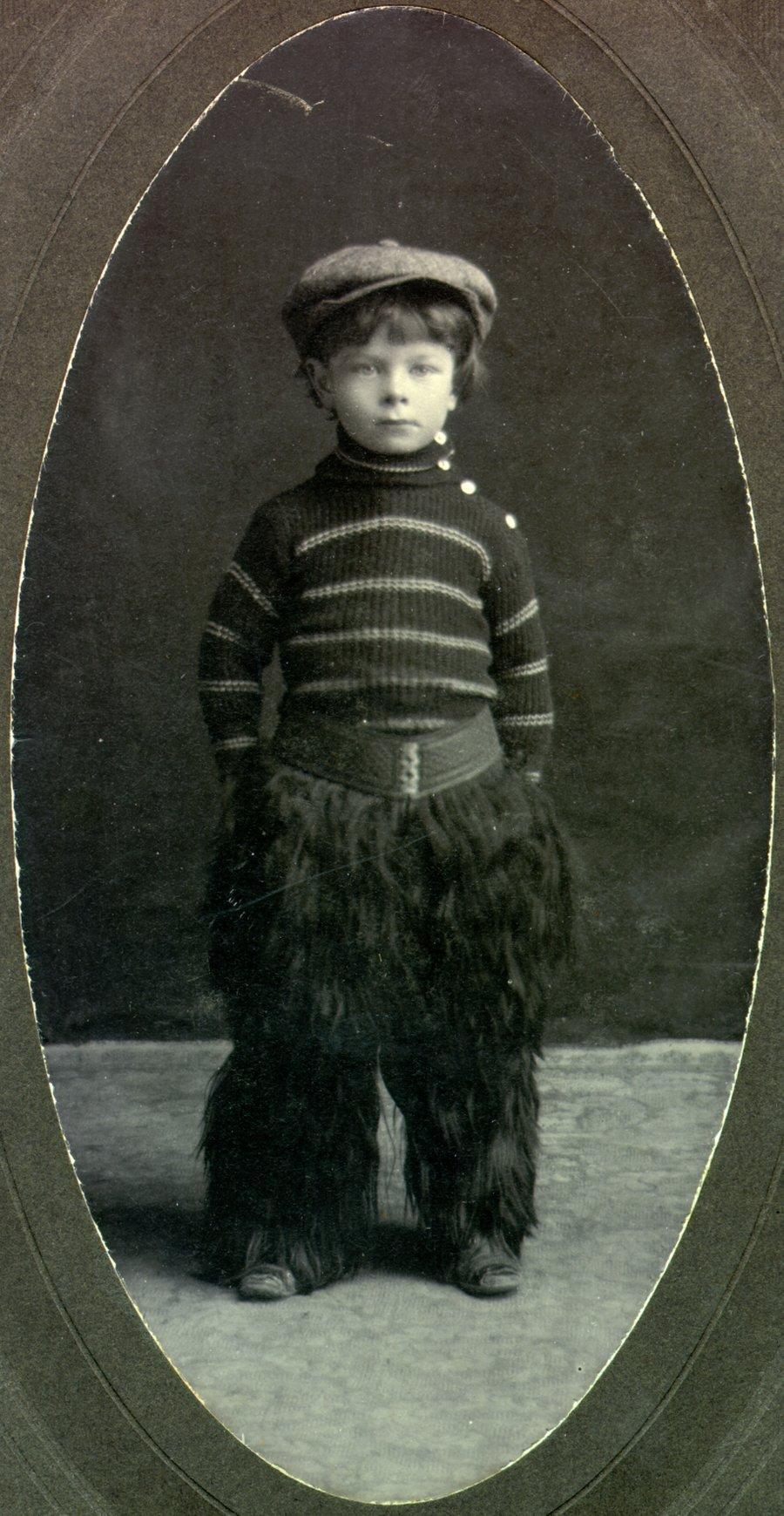 1906i.002-[16]-300dpi-900w
