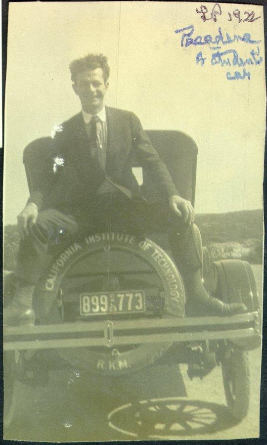 1922i.014-[1002]-300dpi-900w
