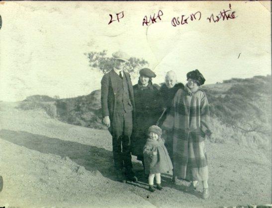 1924i.027-[330]-300dpi-900w