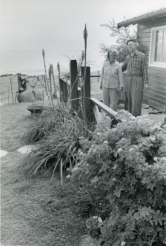 1957i.012-550w